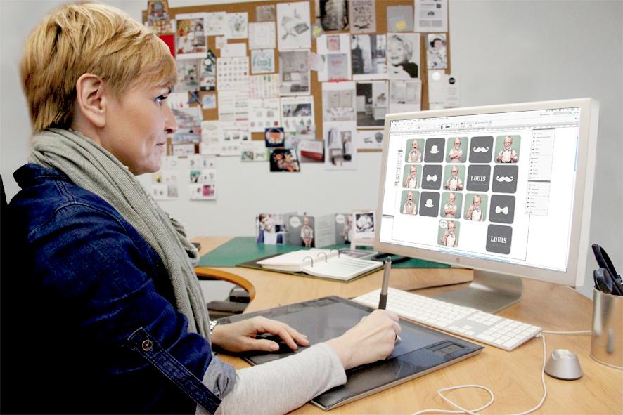 Designerin an der Arbeit